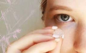 Ледяные процедуры для кожи вокруг глаз