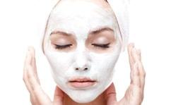 Применяйте белую глину для жирной кожи лица