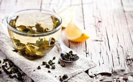 Тонизирующий лед для лица из зеленого и черного чая