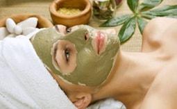 Применение зеленой глины для жирной кожи, от прыщей и старения