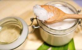 Польза кокосового масла для лица и способы его применения